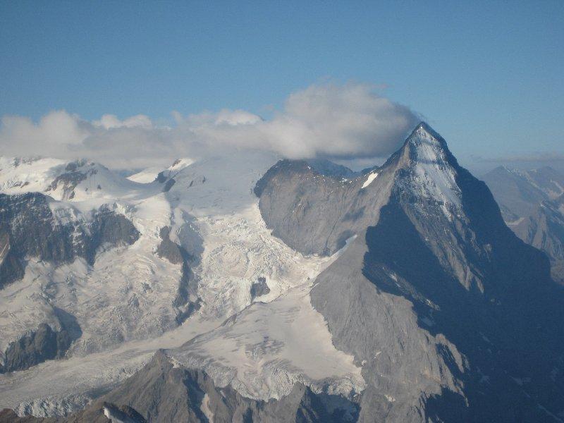 Eiger mit Nordwand (Mönch in den Wolken)